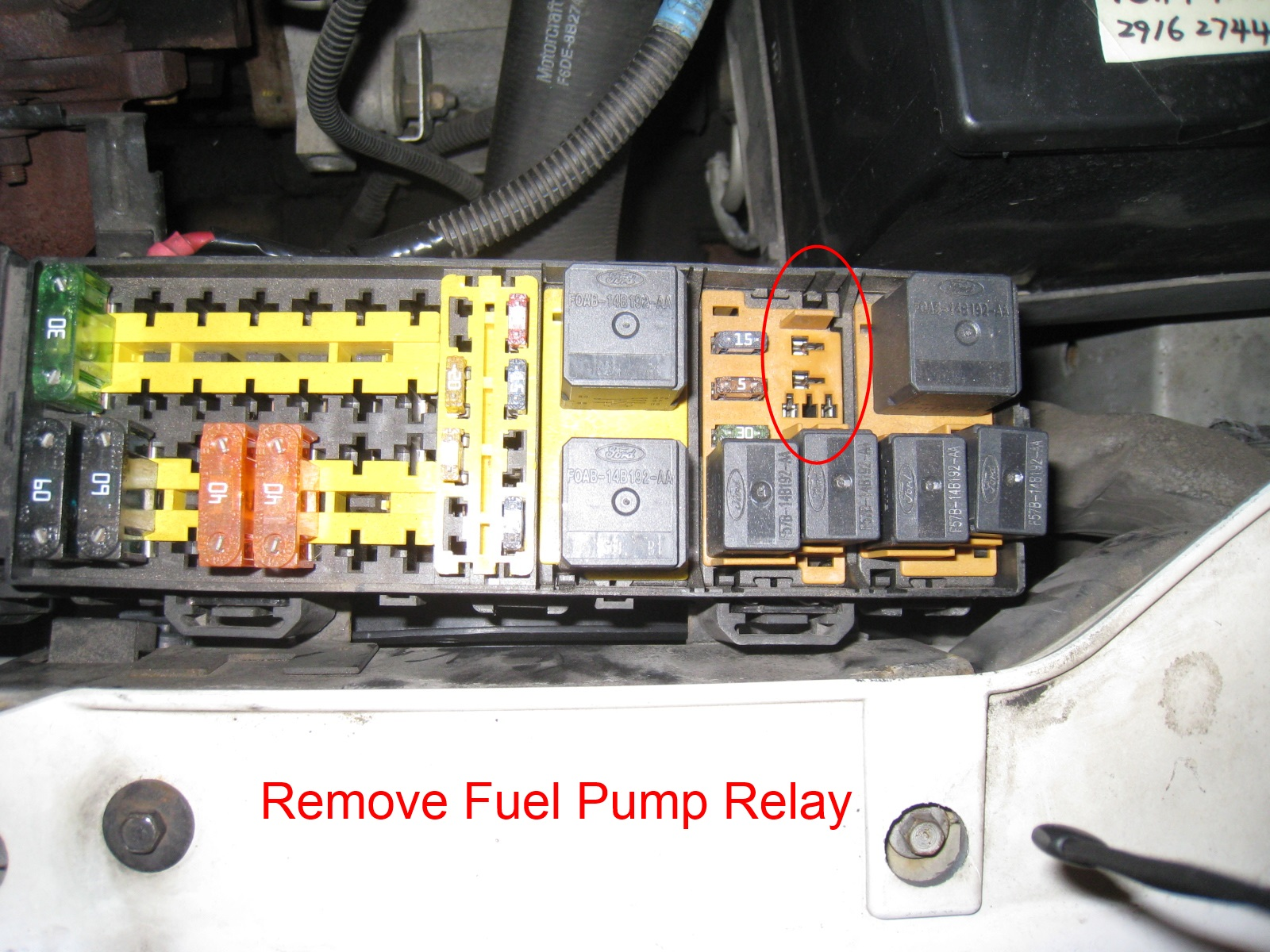 fuel pump relay location 2000 ford taurus ford wiring. Black Bedroom Furniture Sets. Home Design Ideas