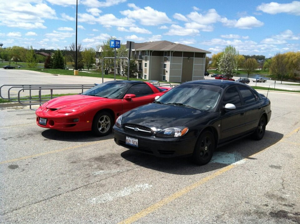 D Blackout S Ford Taurus Ses N