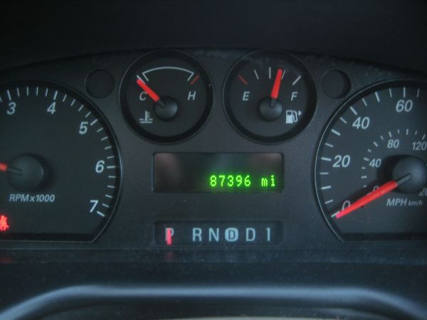 Just Got a 2005 Taurus From Michigan!-2005_taurus_se_dashboard.jpg