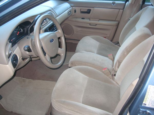 Just Got a 2005 Taurus From Michigan!-2005_taurus_se_interiordrivers.jpg