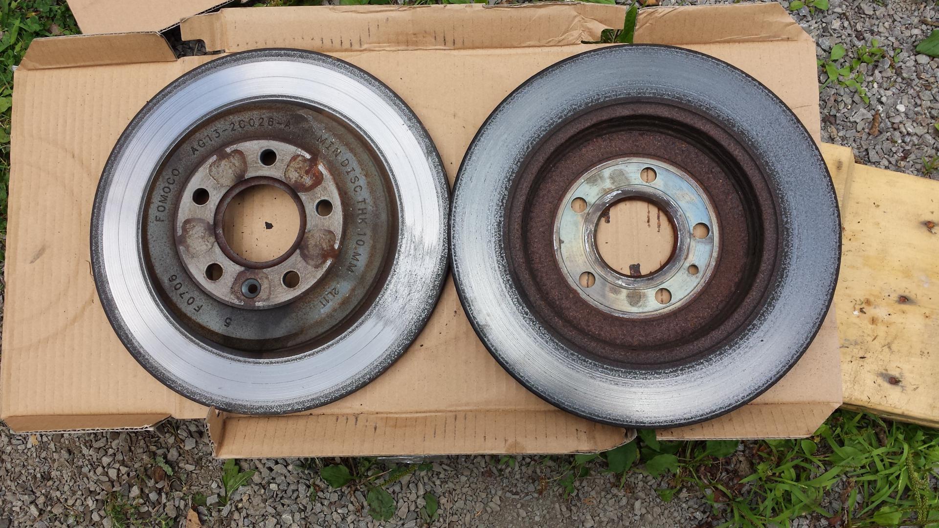 Click image for larger version Name: 2013 taurus rear rotors 25k miles.jpg  Views