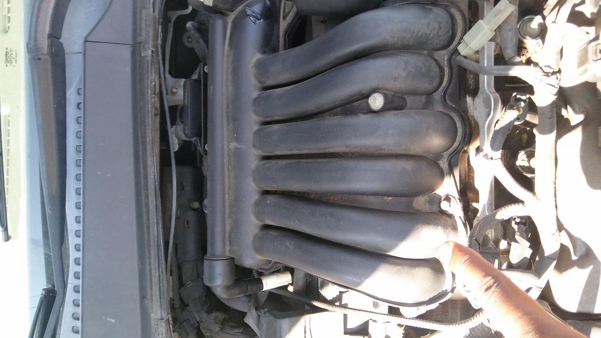 2003 Taurus Upper Intake Manifold