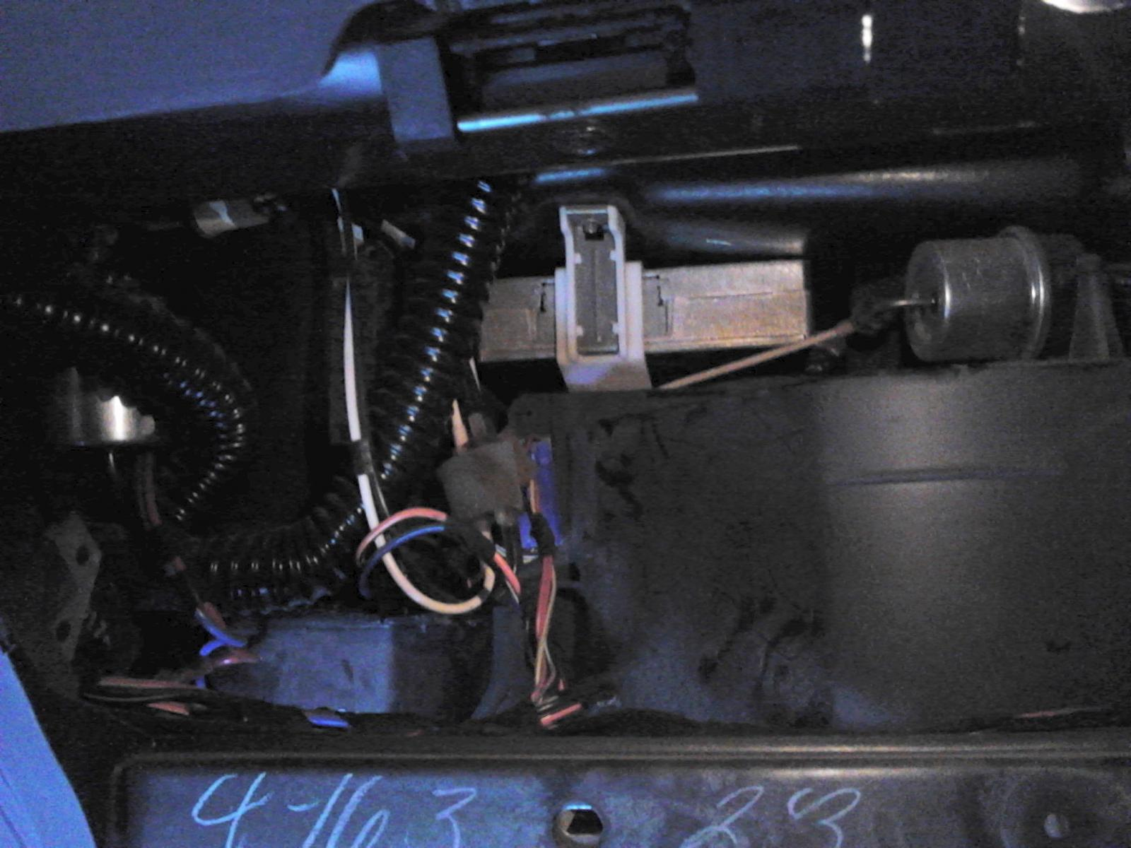 93 Taurus Blend Door Actuator-behind-glove-compartment.jpg