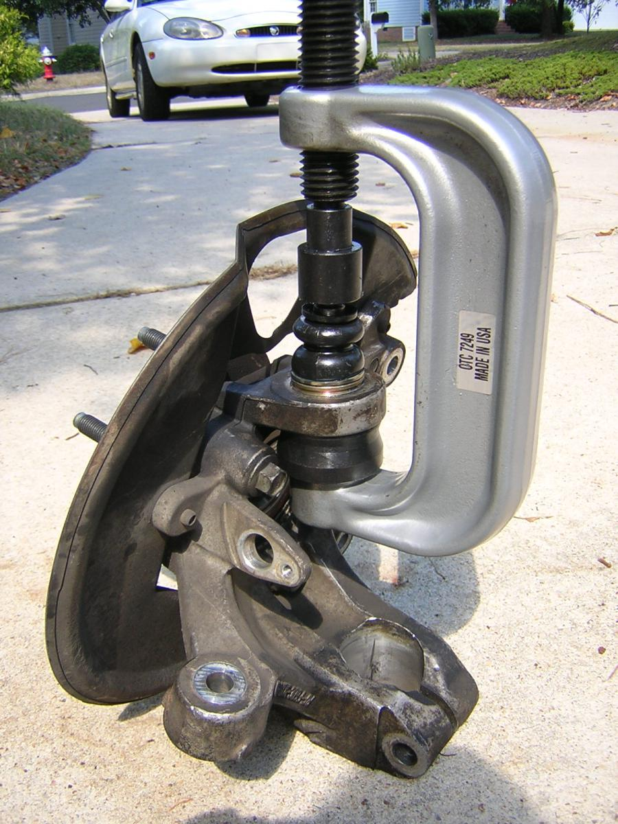 Fa C F Db Bfa C E further D Snap Ring Alternative Ball Joint Dscn as well Starter Trigger Wire additionally D Ax N Topside Electrical Connector New Sensor Pic together with D Co Tire Inflator Dsc. on 2000 ford taurus starter location