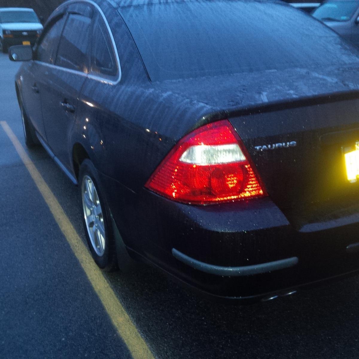 http://www.taurusclub.com/forum/attachments/5th-6th-gen-aesthetics-interior-wheels-tires/130682d1419423503-five-hundred-tail-lights-my-09-img_20141224_071424.jpg