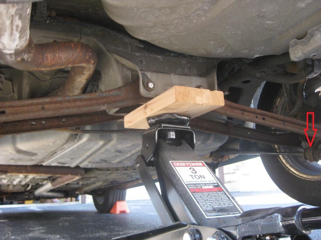 Rear jack position?-img_6364.jpg