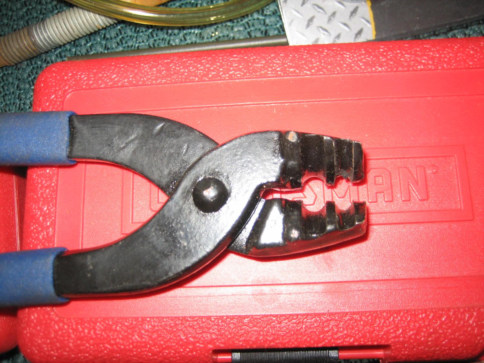 02 Rear broken brake lines-img_9408.jpg