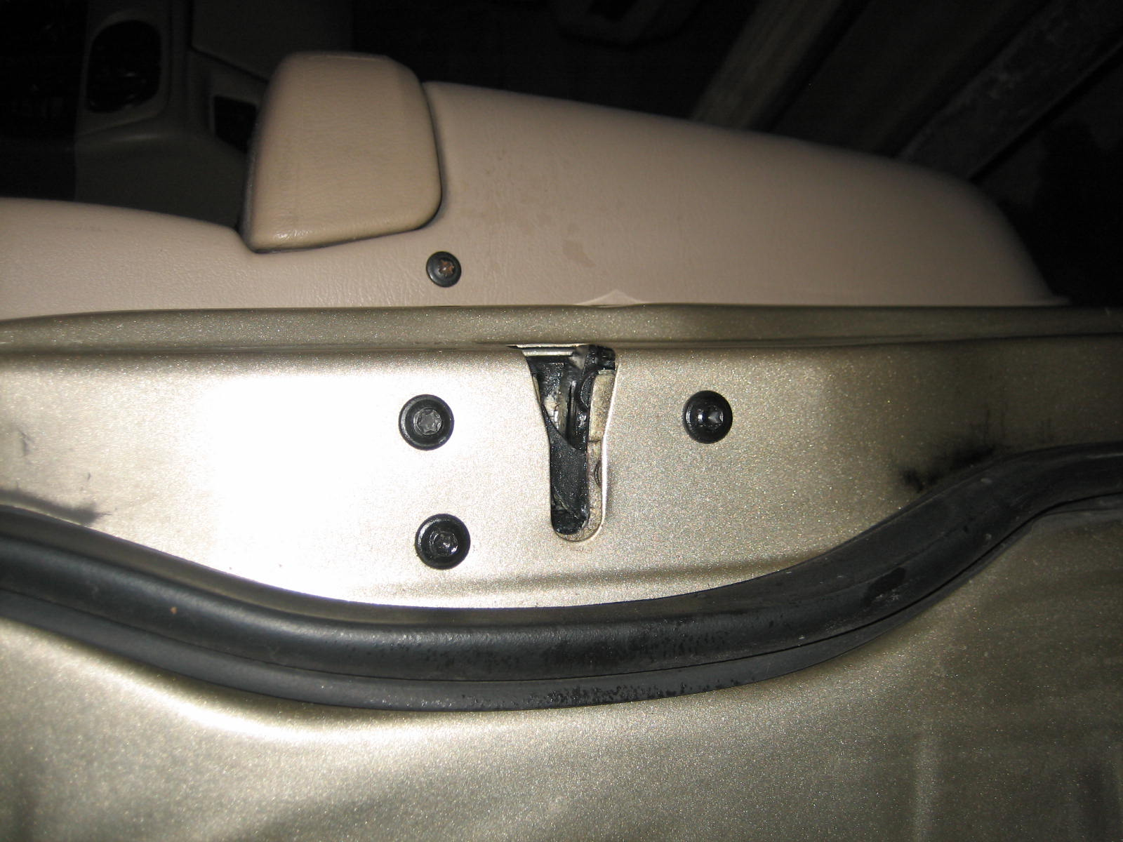 Easy Way To Lube Door Latch Assembly Taurus Car Club Of