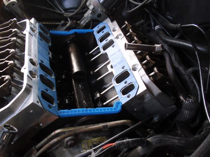 Barkentine's 1993 Taurus Project Car-lx-intake-injectors-04mar2013-011b.jpg
