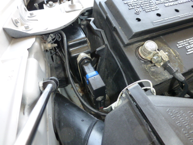Loose part by battery?-p1000055.jpg