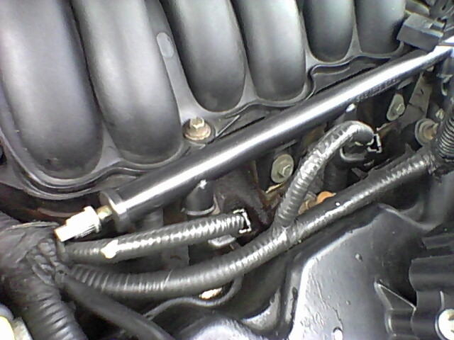 2003 Ford F150 >> Where is the schrader valve and/or fuel rail on Vulcan - Taurus Car Club of America : Ford ...