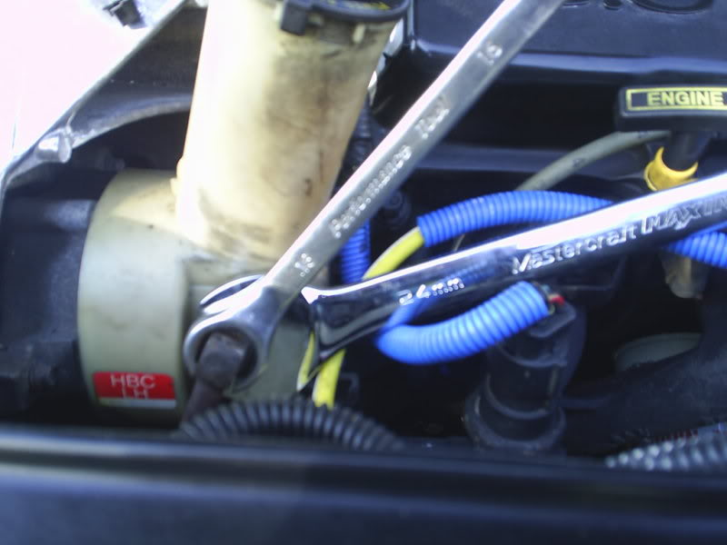 Special tools for removing & installing PS Pump-s4010037.jpg