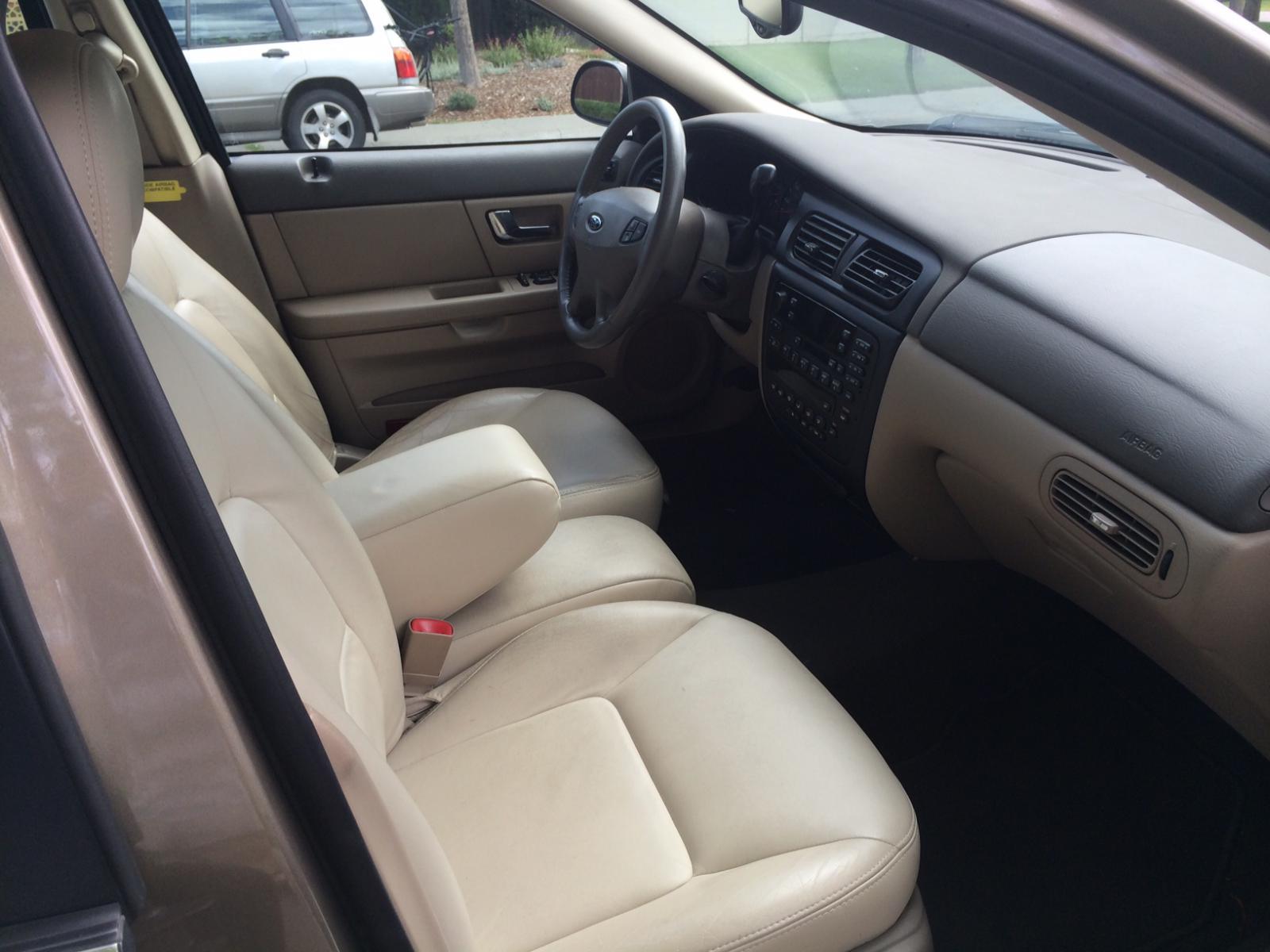 2006 ford taurus sel interior