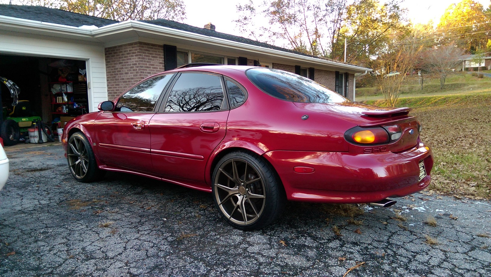 D Clemson Tiger S Sho Wp on 1997 Ford Taurus