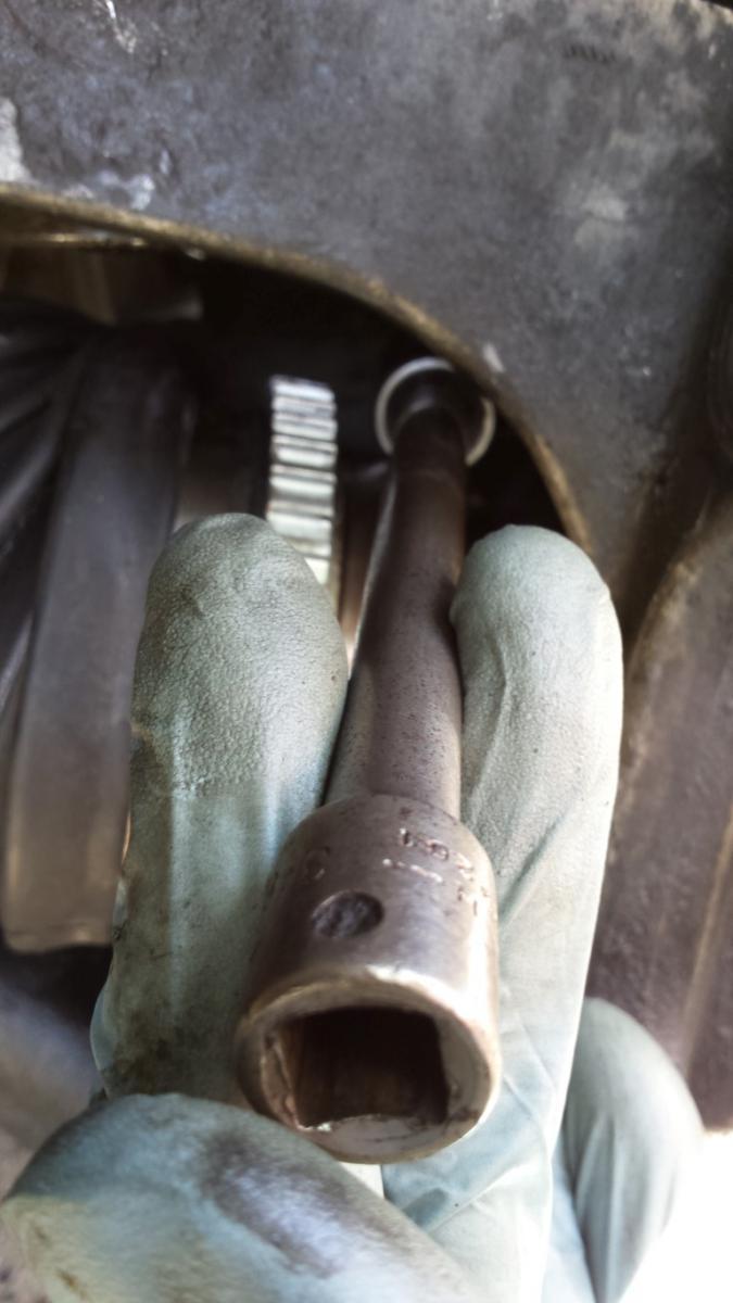 1996-2007 Front Wheel Bearing Hub Replacement | Taurus Car